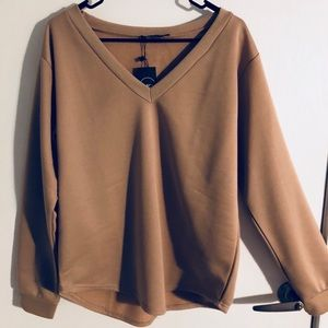 Tops - NWT Boohoo long sleeve top